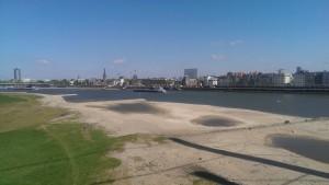 Niedrigwasser Rhein mit 1,25m