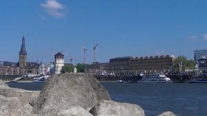 Blick auf die Altstadt mit Schloßturm